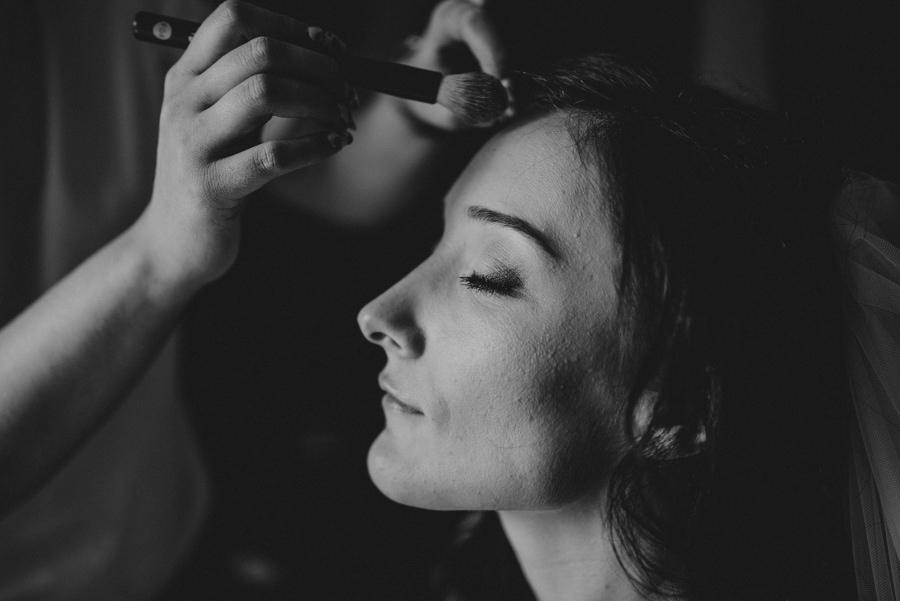 przygotowania panny młodej makijaż