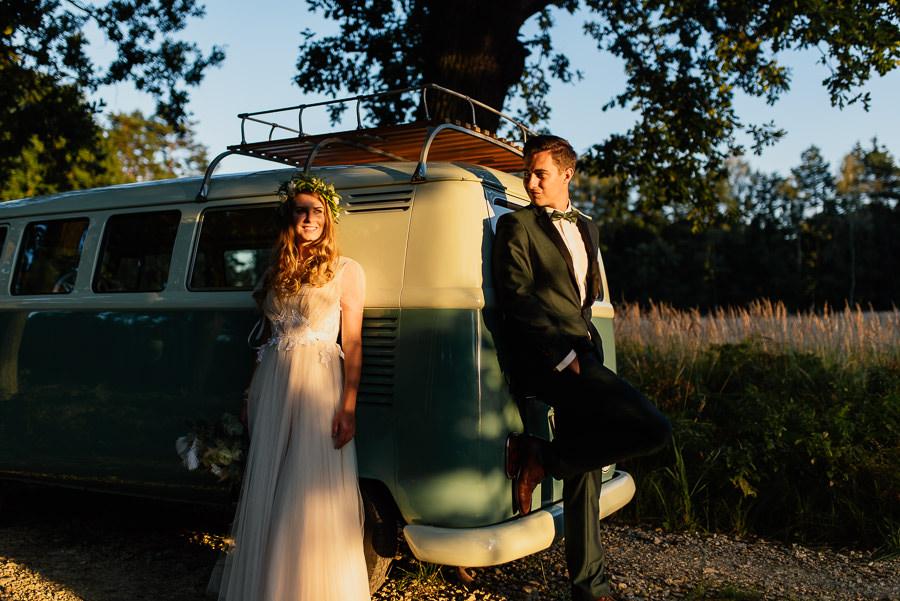 Sesja ślubna z busem
