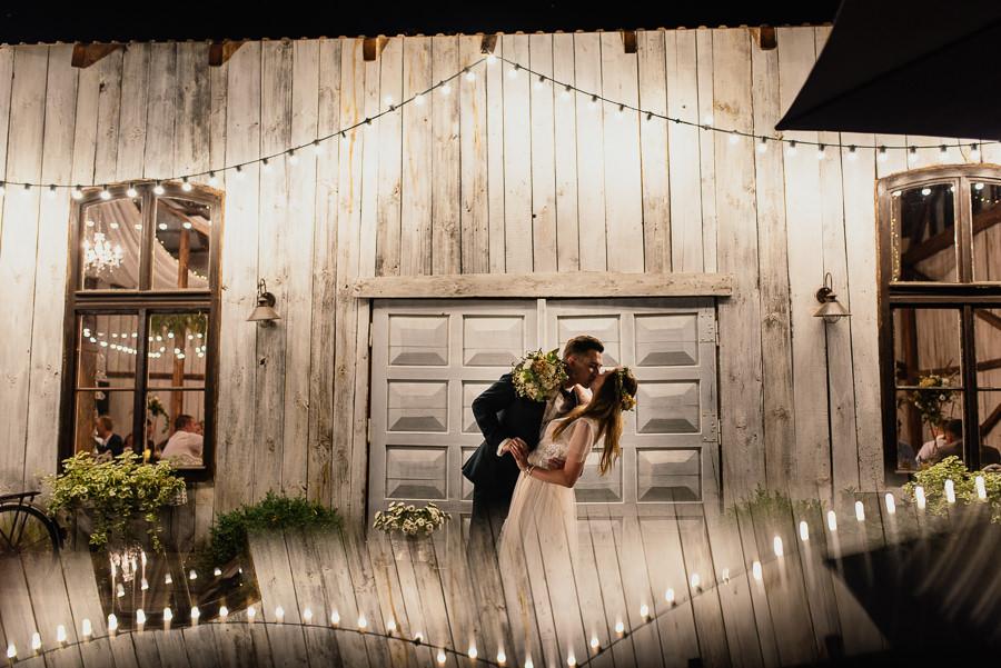 wesele w bystrej stodoła pod kasztanami