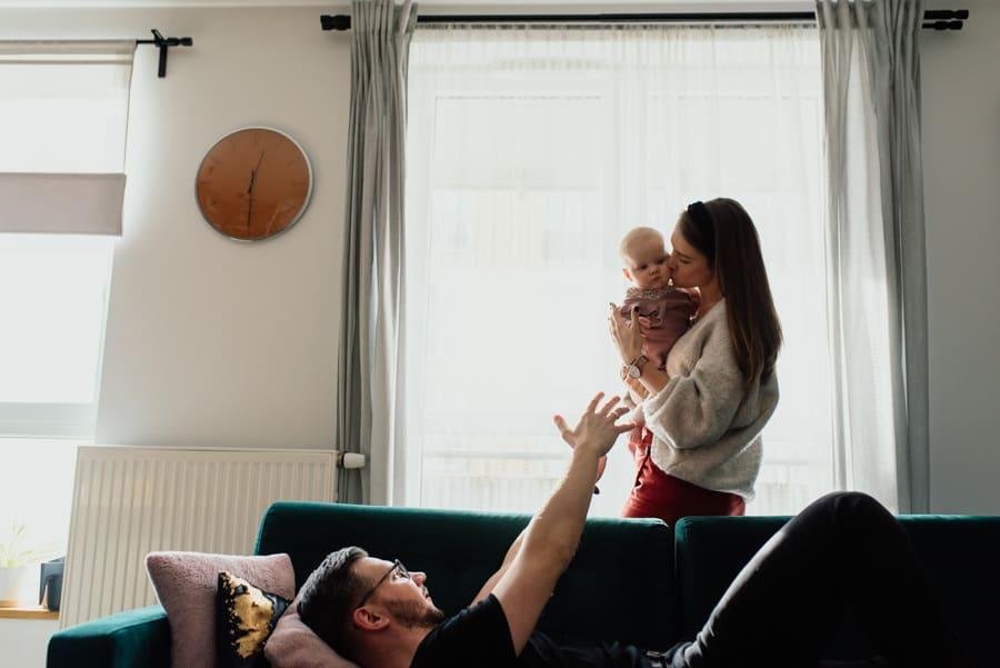 Sesja rodzinna w domu w katowicach 29 of 86 14