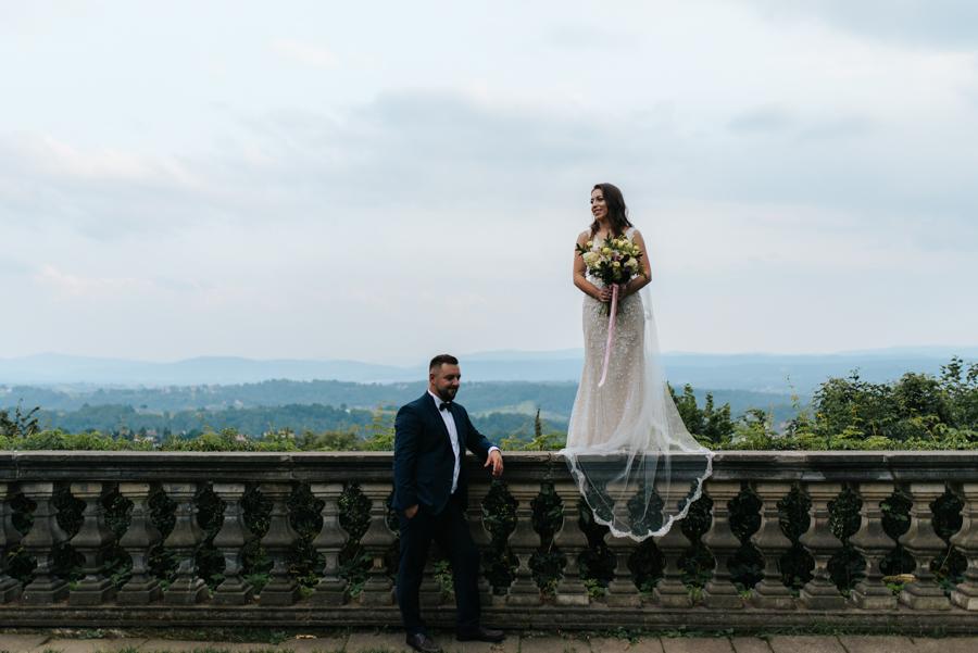sesja ślubna przy dworku w mogilanach 35 of 53 10