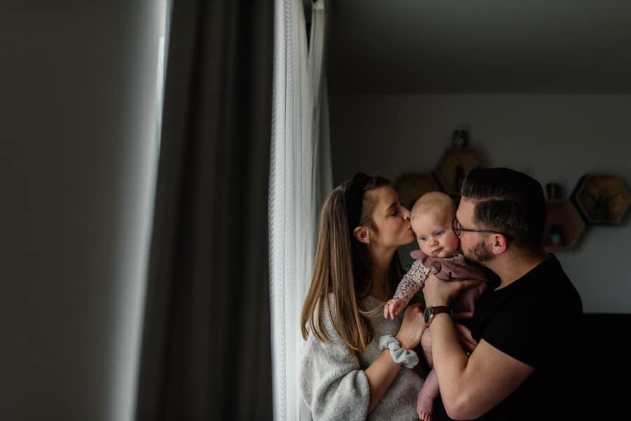 Sesja rodzinna w domu w katowicach 71 of 86 36